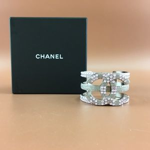 Preowned Chanel Pink Wide Beads Crystals Cuff